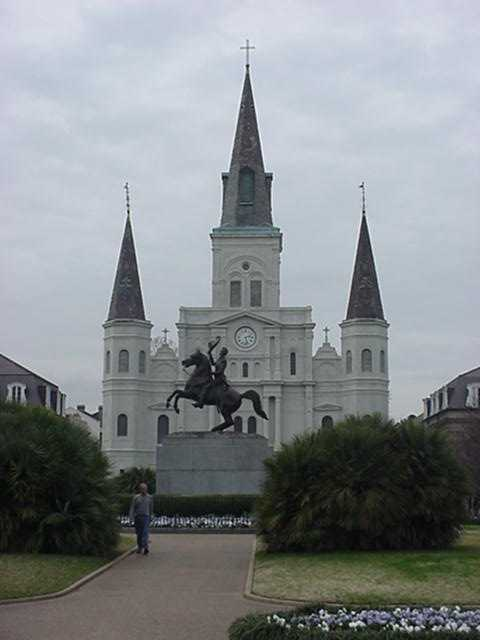 St.Louis.jpg: Jackson Square in New Orleans on a quiet morning.